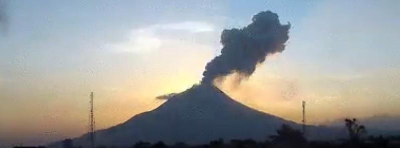 07-04-2016_sinabung_eruption